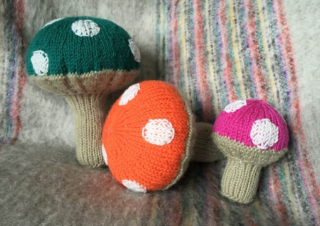 Toadstool Family free Knitting Pattern by jamie Hoffman  Knit using Ewe Ewe  Wooly Worsted washable merino yarn