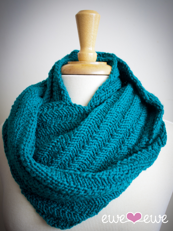 Happy Cowl infinity scarf knitting pattern