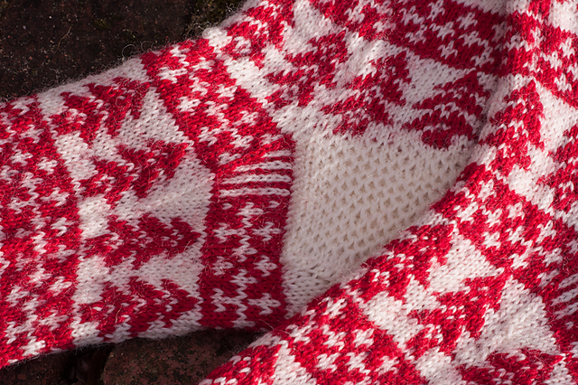 Christmas Eve Socks  free knitting pattern on Ravelry