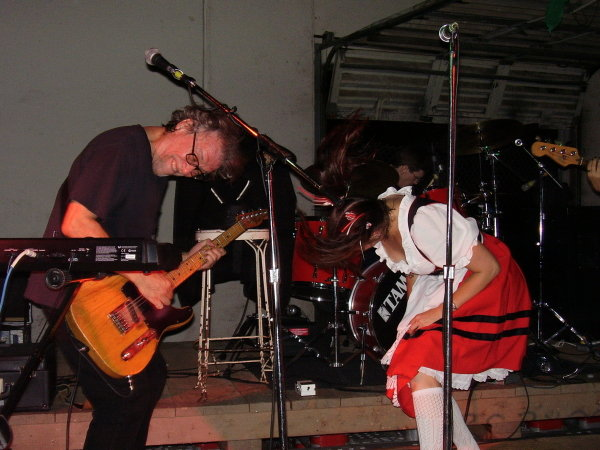 Carl and Valina headbanging at St. Arnold's Brewery Oktoberfest 2007/Willem Wijnberg photo