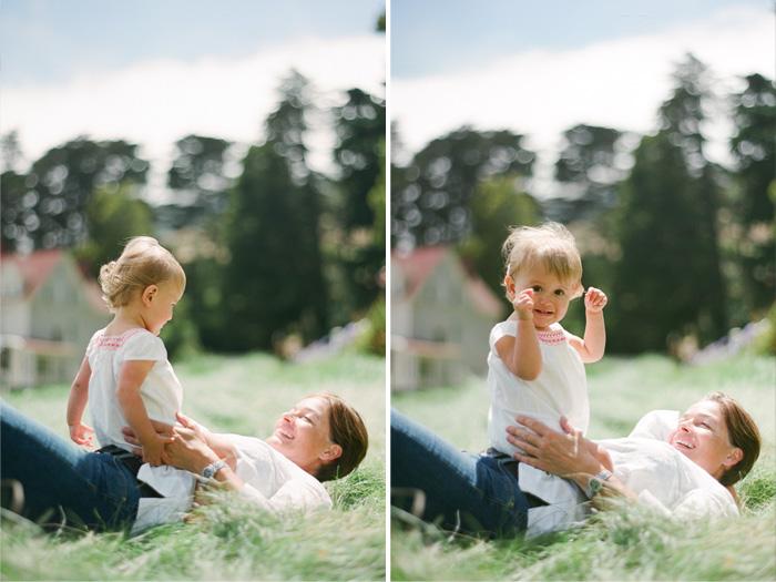Sylvie-Gil-Family-Photography-little-girl-mom-mohter-field.jpg