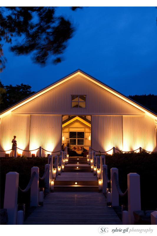 sylvie-gil-film-photography-wedding-outdoor-durham-ranch-details-barn
