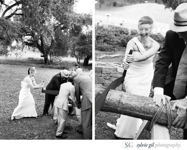 sylvie-gil-film-photography-wedding-outdoor-durham-ranch-details-cutting-log-black-white