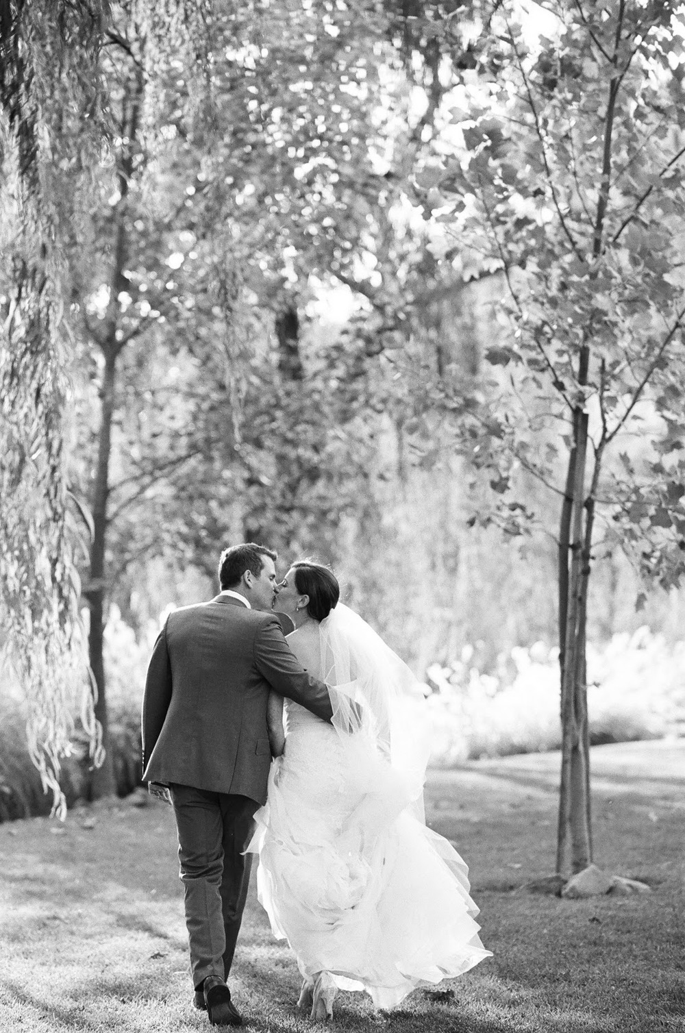 sylvie-gil-film-photography-wedding-bride-groom-black-white-swan-lake-napa