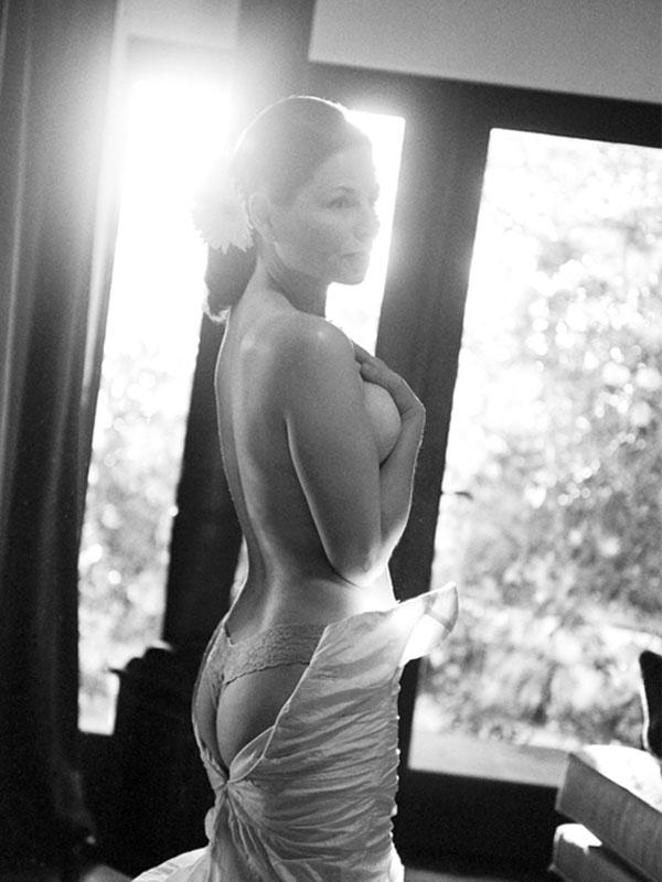 sylvie-gil-photography-film-wedding-bride-boudoire-blqck-white