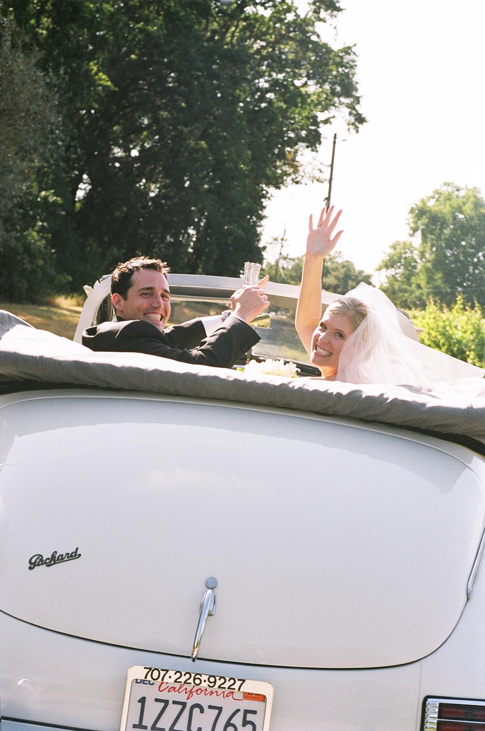 sylvie-gil-film-photography-wedding-car-flowers-bride-groom-details