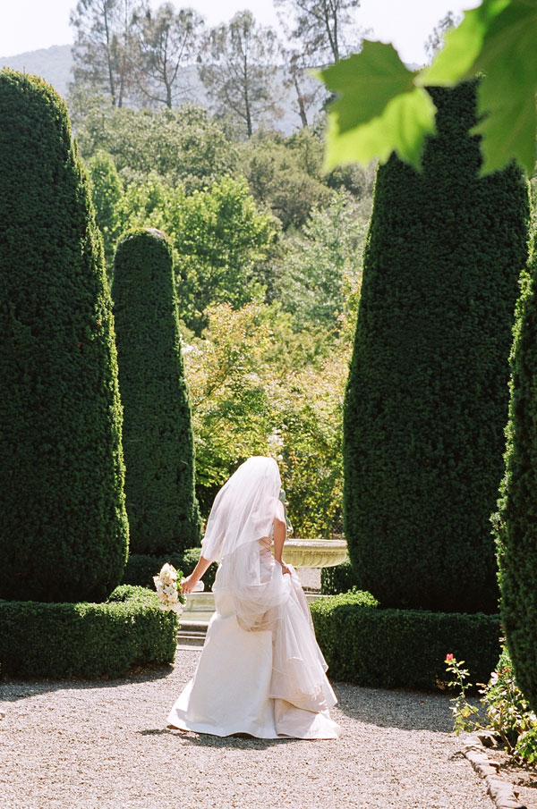 sylvie-gil-film-photography-wedding-beaulieu-garden-napa-bride