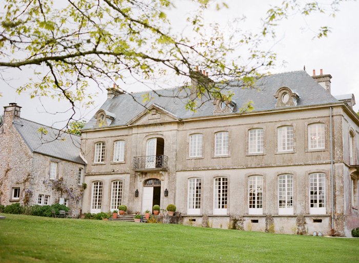 Lawn outside Normandy chateau; Sylvie Gil Photography