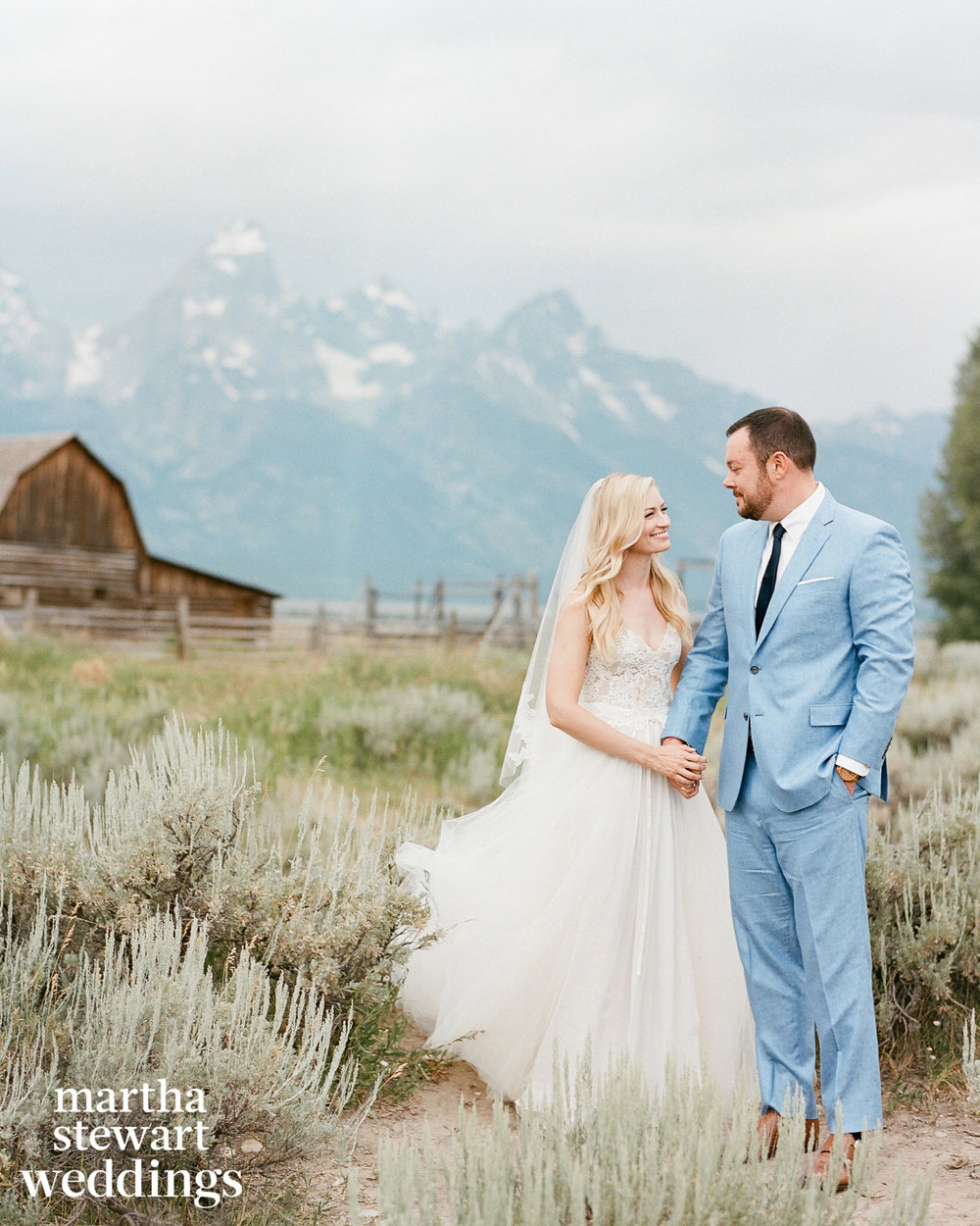 2 Broke Girls, Mad Men, Country Wedding, Just Married, Country couple holding hands, Beautiful Bride and Groom in blue tux, Sylvie Gil Photography