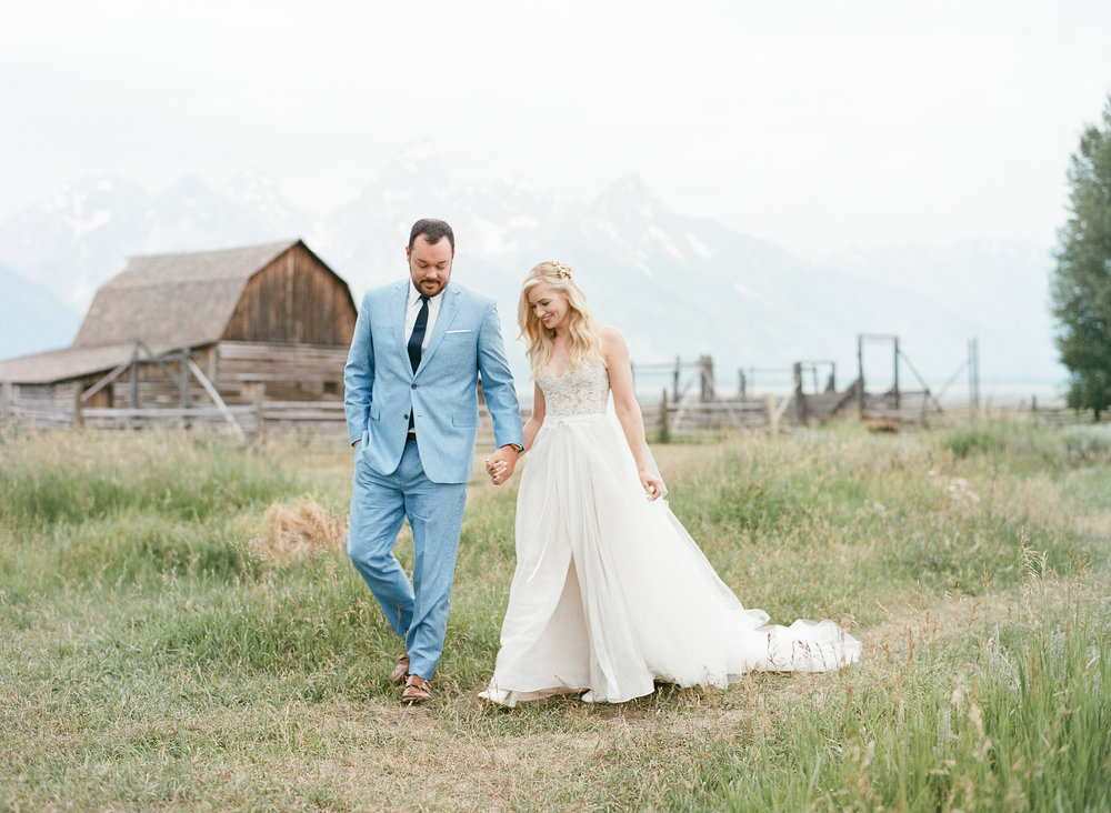 Hollywood couple, wyoming wedding, Sylvie Gil Photography