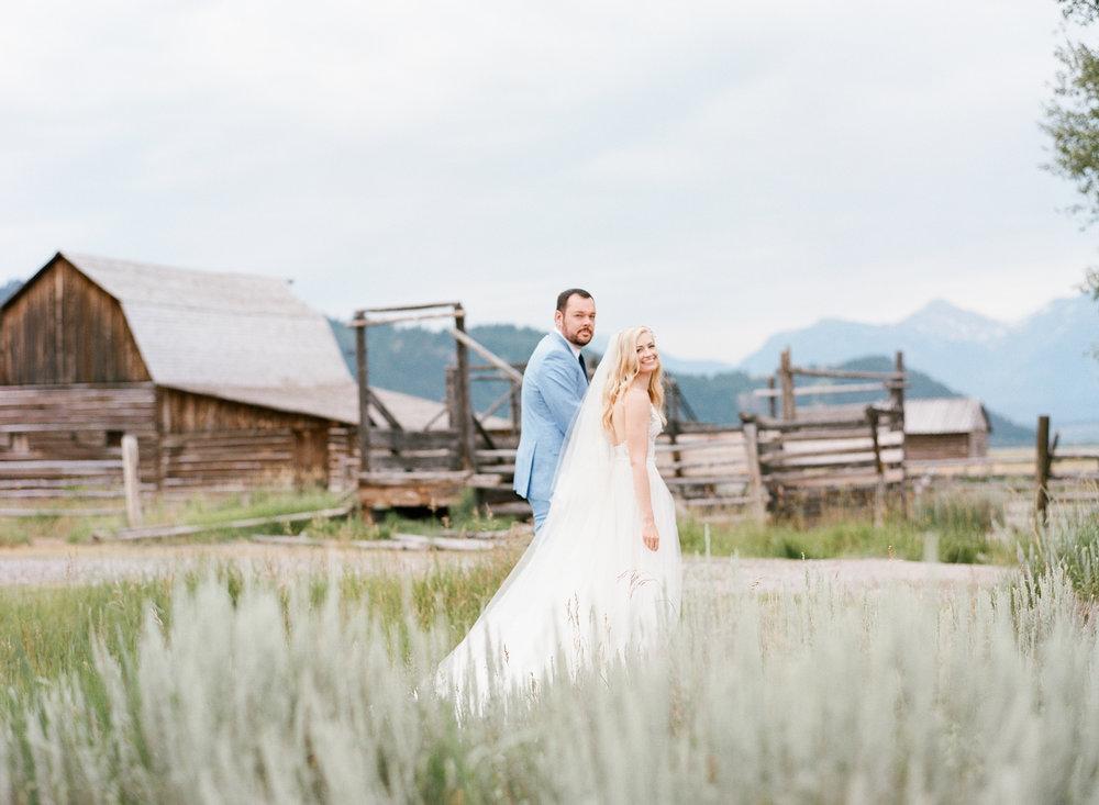 Hollywood Couple, barn wedding, Grand Teton National Park, Sylvie Gil Photography