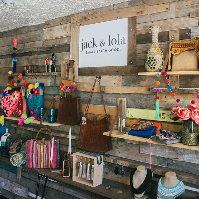 Sunday Funday! If you're hanging down South, take a lazy stroll through the darling S. 1st shop, Jack & Lola! Cute things, fun finds and AC, they know what the people need 👌🏼 . . . #austintx #austinbusiness #austinbusinesswomen #bossbabe #bossbabesatx #bestbagever #localaustin #liveauthentic #liveauthentically #lookslikefilm #austinphotography #austinphotographer #austinproductphotographer  #austinfashionphotographer #atxfashion #austinfashionblogger #vsco #austinboutique #shopsmall #austinlocal #austinshopping