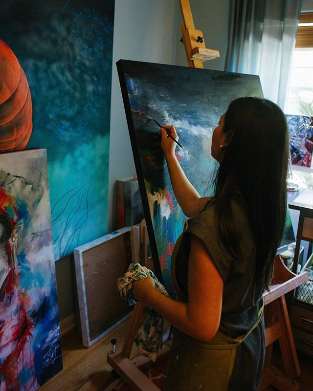 Still daydreaming about Vy's beautiful home studio! She started painting only a few years ago and I was stunned by how gorgeous and emotional her pieces are. You can check out more of her work and story at @vjngo_art . . . #igtexas #igaustin #austintx #shopsmall #liveauthentic #liveauthentically #localaustinbusiness #localaustin #localartist #localart #vsco #painting #artasexpression #emotionalart #localaustinartist #atxart #austinart #austinartist #austinpainter #homestudio #austinphotographer #austinsocialmedia #austinphotography #austinproductphotographer