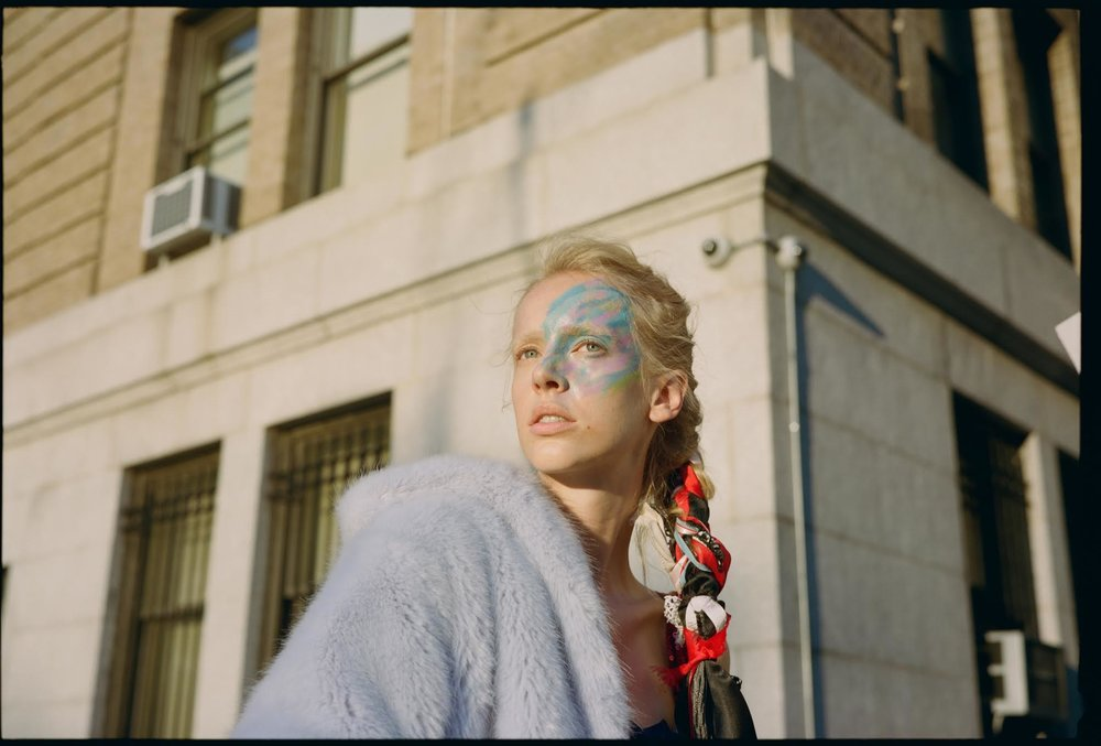 tush magazine , featuring and photographed by franzi frings.