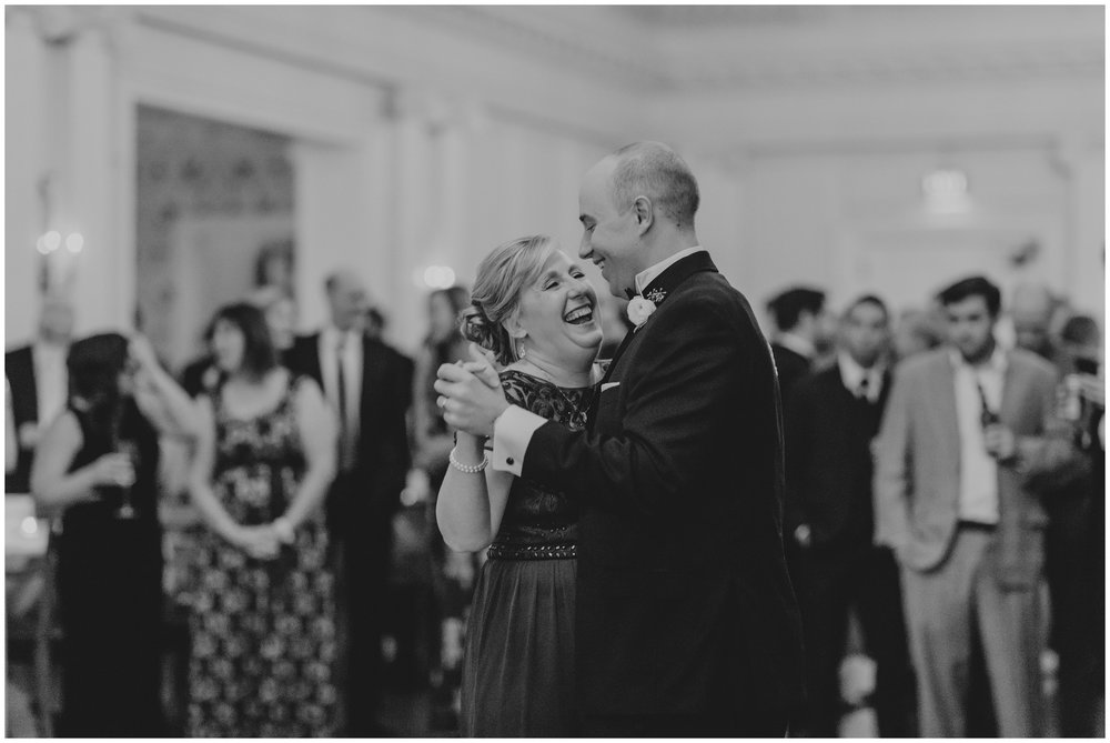 Rebecca_Shehorn_Photography_Indianapolis_Wedding_Photographer_7197.jpg