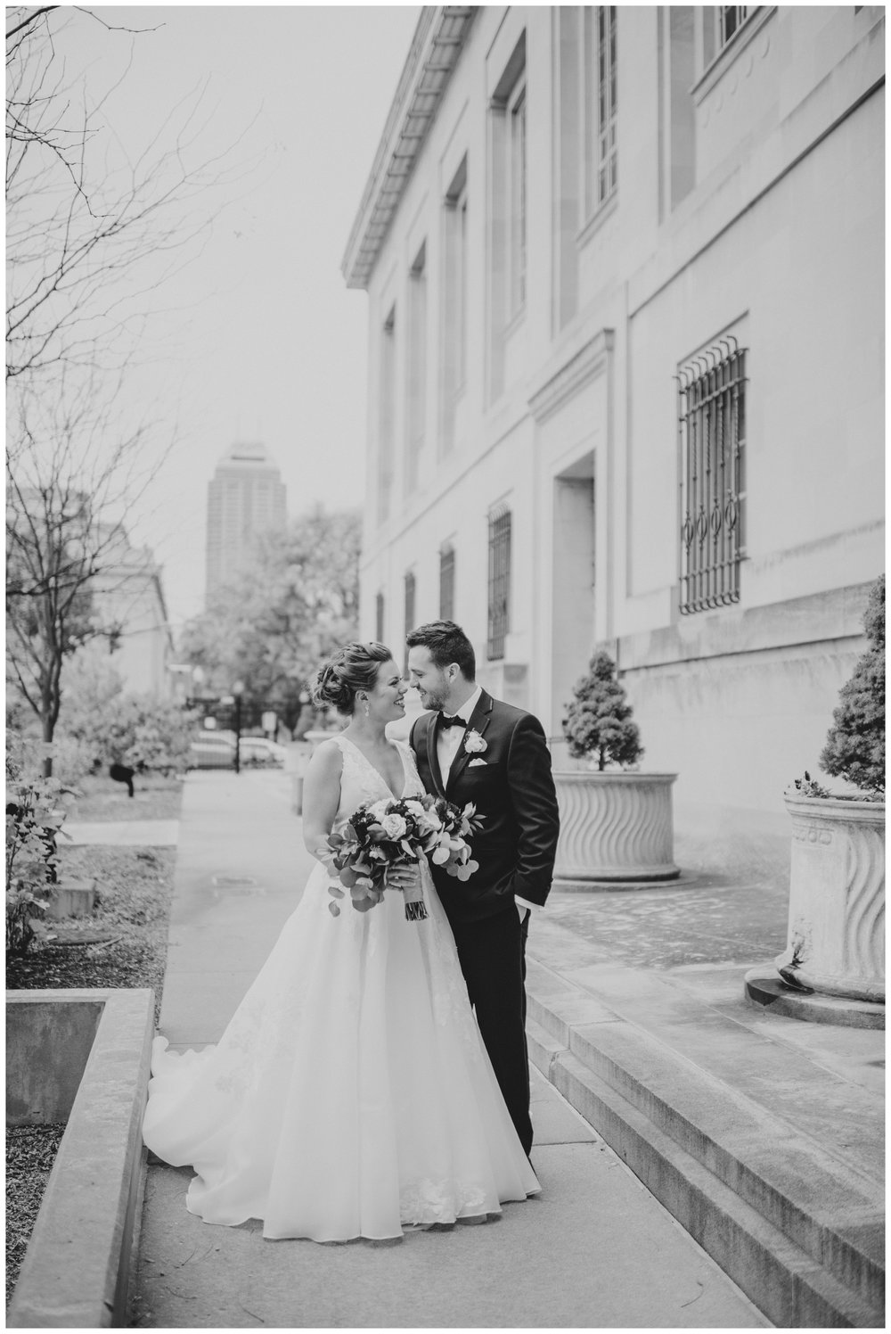 Rebecca_Shehorn_Photography_Indianapolis_Wedding_Photographer_7712.jpg