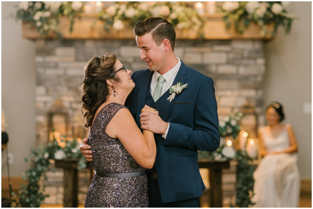 Rebecca_Shehorn_Photography_Indianapolis_Wedding_Photographer_7969.jpg