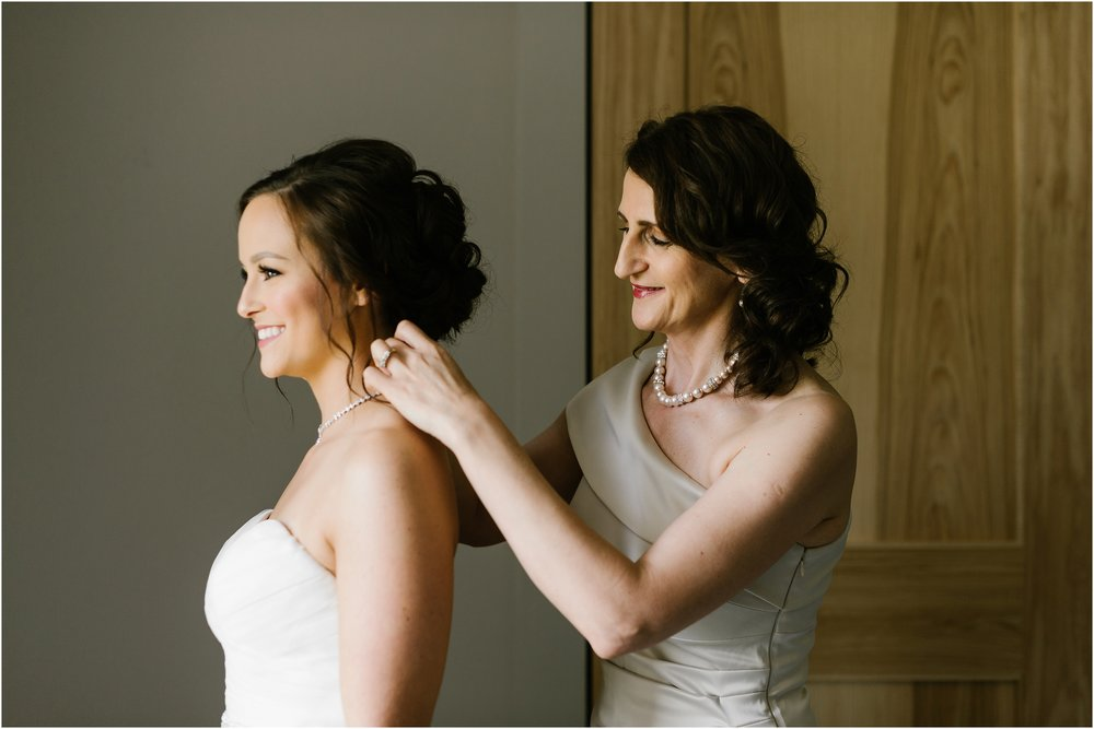 Rebecca_Shehorn_Photography_Indianapolis_Wedding_Photographer_8592.jpg