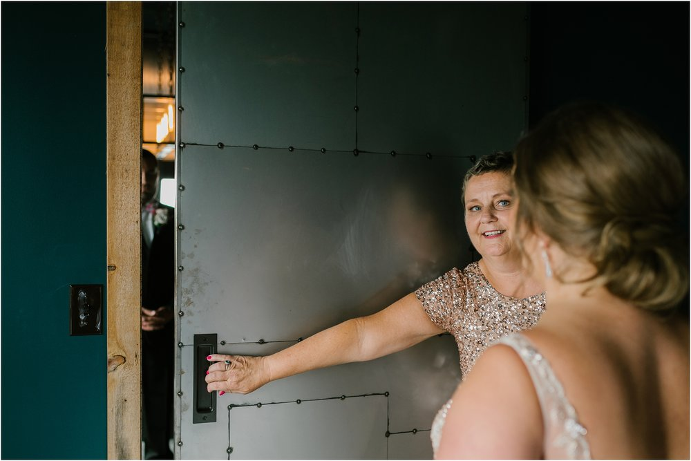 Rebecca_Shehorn_Photography_Indianapolis_Wedding_Photographer_8797.jpg