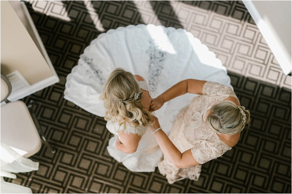 Rebecca_Shehorn_Photography_Indianapolis_Wedding_Photographer_8924.jpg