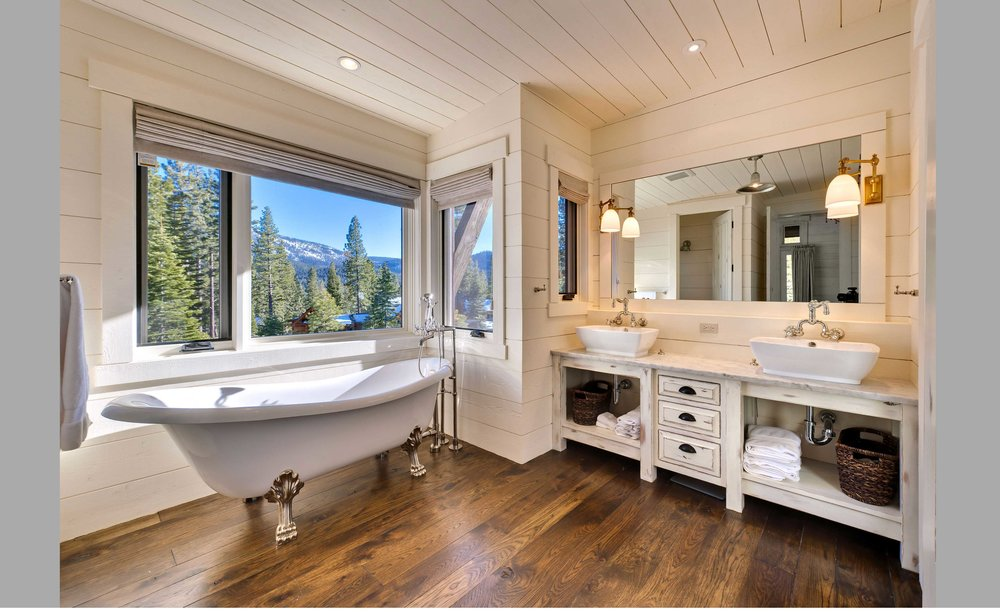 Contractor: Jim Morrison Construction Interiors: Walton Architecture + Engineering Photography: Vance Fox Photography Square Footage: 3,583 sf bedrooms: 4 bathrooms: 4.5