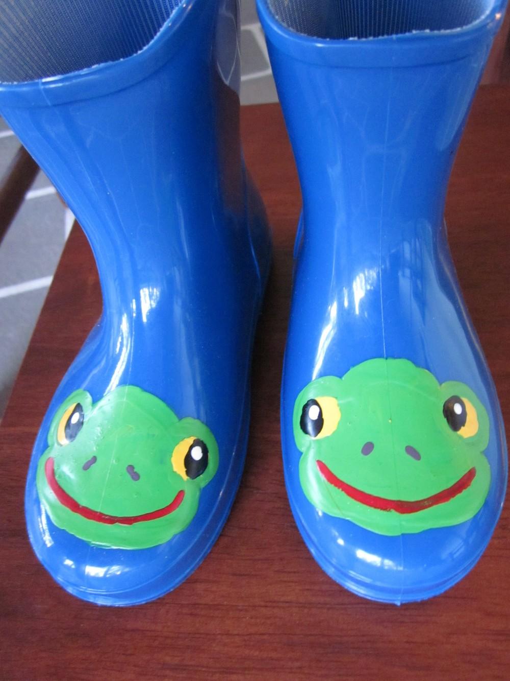 frogs size 7.jpg