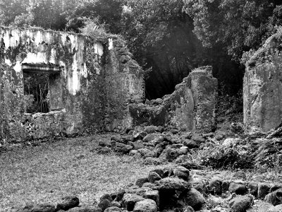 Mysteries of Hawaii - Oahu's original ghost tours - Kaniakapupu ruins