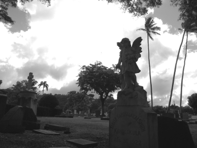 Mysteries of Hawaii with Lopaka Kapanui, Oahu's Original Ghost Tours and Chicken Skin Tours, Oahu Cemetery, Honolulu