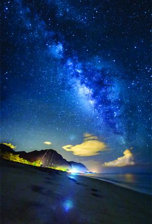 Keawaula at night - photo credit Kenji Lee