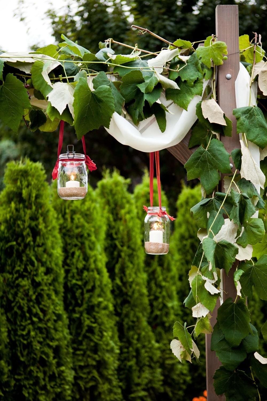 hangingmasonjarcandles.jpg