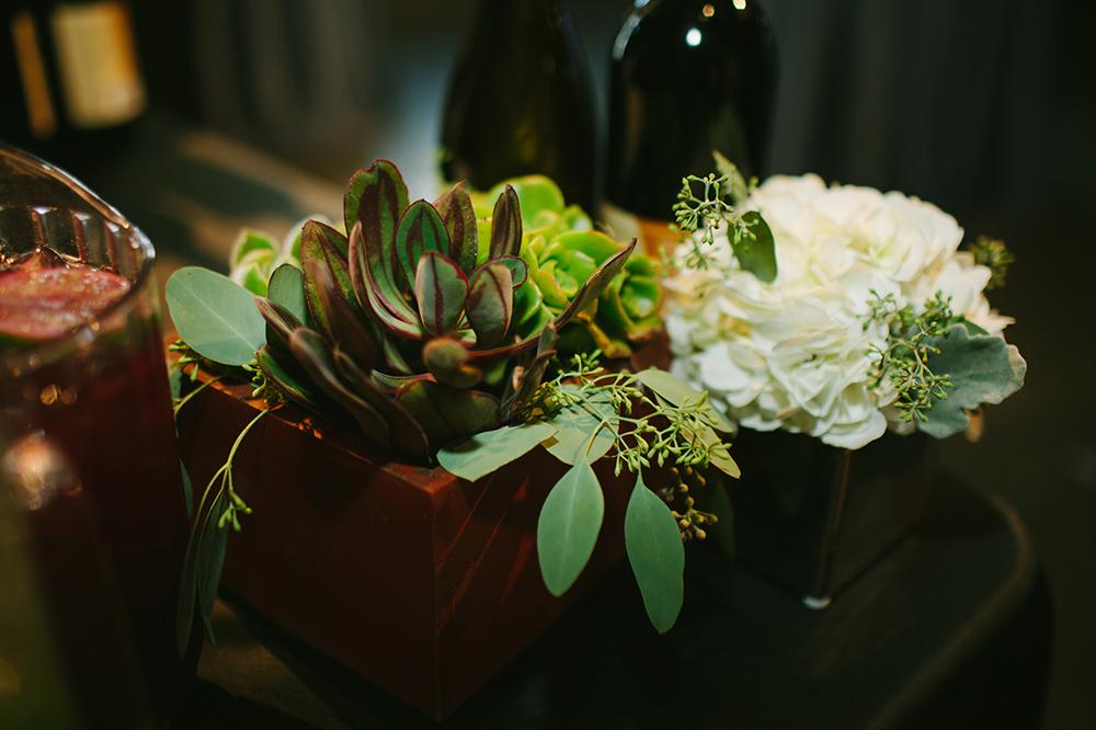 centerpieceflowerandsucculent.jpg