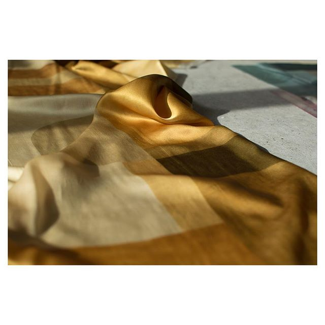 Ripples of gold in the sun #luxuryhomes #interiordesign #interiorfabrics #silk #gold #luxedesign #luxurydesign