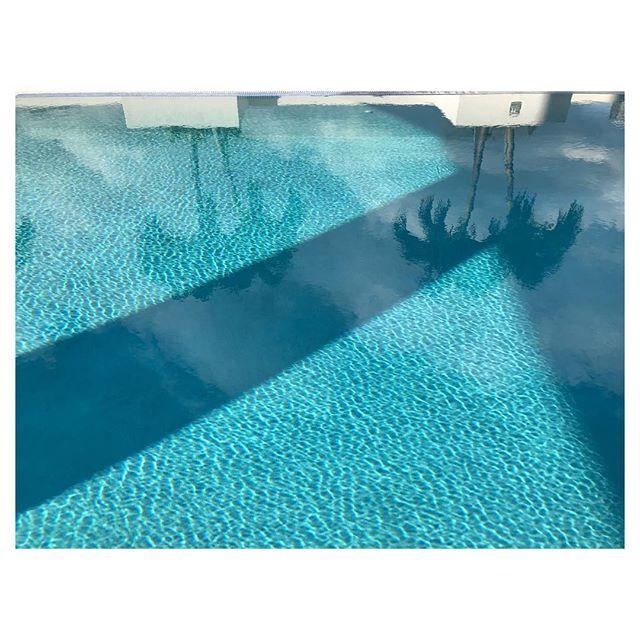 Shapes of shade . . . . #inspiration #luxuryhomes #collectorsitem  #luxuryhomes #interiordesign #interiorfabrics #womenentrepreneurs #luxury #silk #pillows #designnyc #nycdesign #smallbusiness #interiors #luxe #homedecor #handmand #parisdesign #madeinusa #bostondesign #salon #altforliving #textiles #hometextiles #interiortextiles #collectibledesign #design #collectibles #salon #salone #milansalone