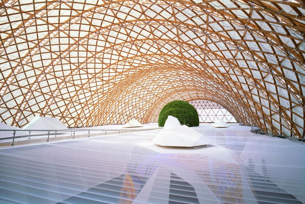Probably the best known image of Mr. Ban's work, the Japan Pavilion at Expo 2000 in Hanover, Germany. It is  a grid shell composed of lacquered paper tubes.