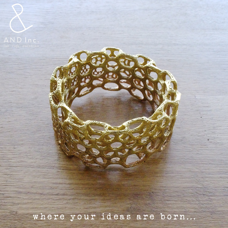 gold_bracelet02.jpg