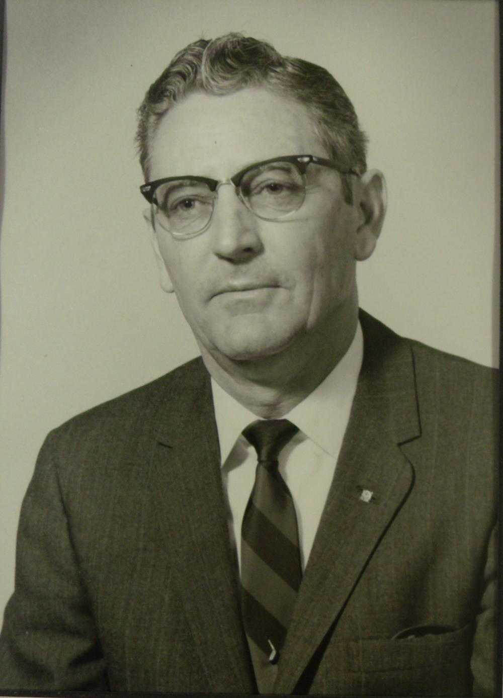Dr. James B. Hollenhead 1961 - 1992.jpg