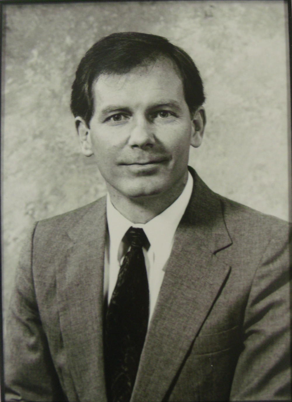 Dr. R. Curtis Fussell 1993 - 1998.jpg