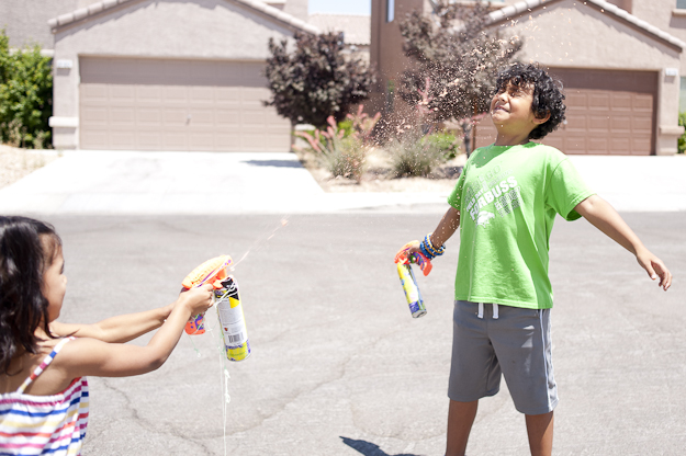 summer_bucket_list_silly_string_fight_Its_a_messy_life-3.jpg