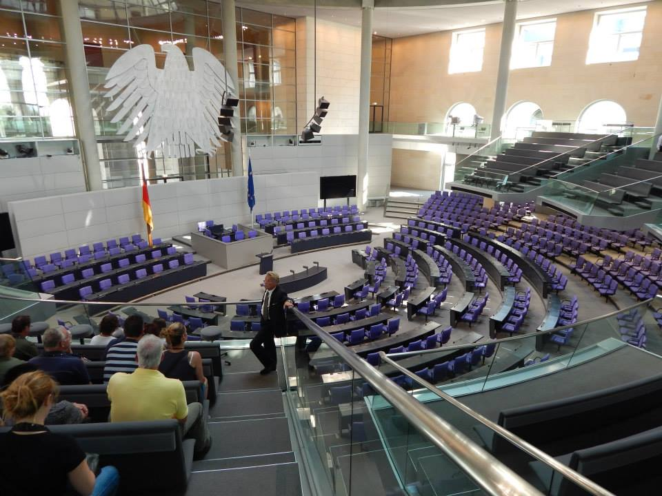 All is quiet at the Reichstag