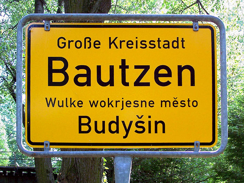 Sign in German and Sorbisch