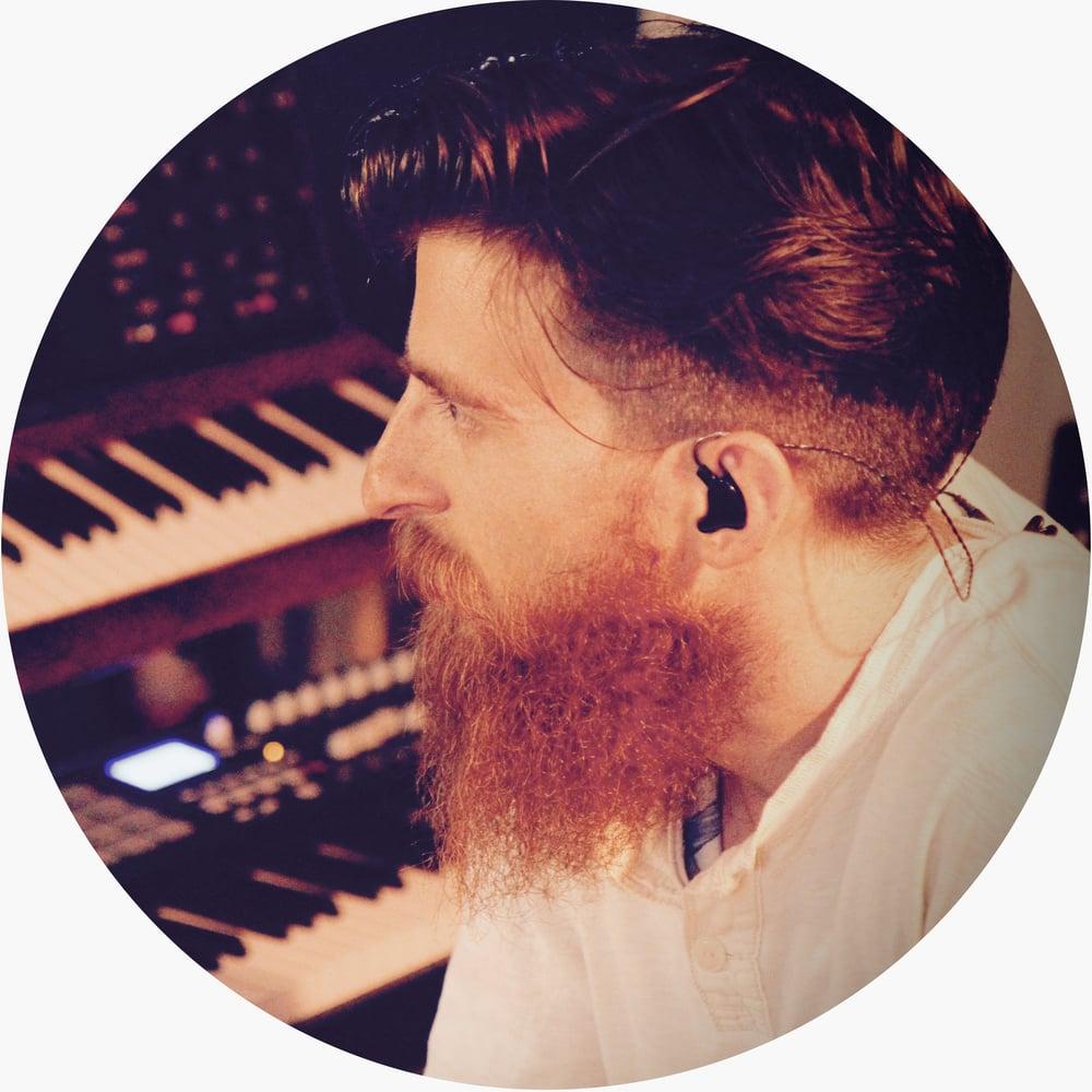Gianni  -Piano, Synthesizer