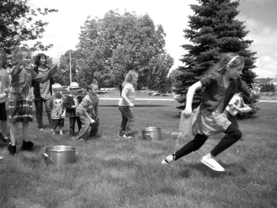 kidz church 8 bw.jpg