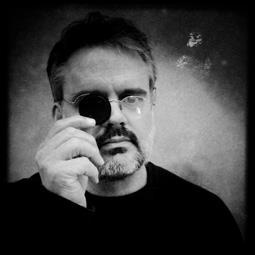 Paulo Marcos,professora do curso Práticas fotográficas