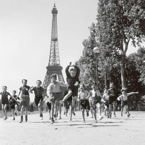 Robert Doisneau, Les jardins du Champs de Mars, 1944