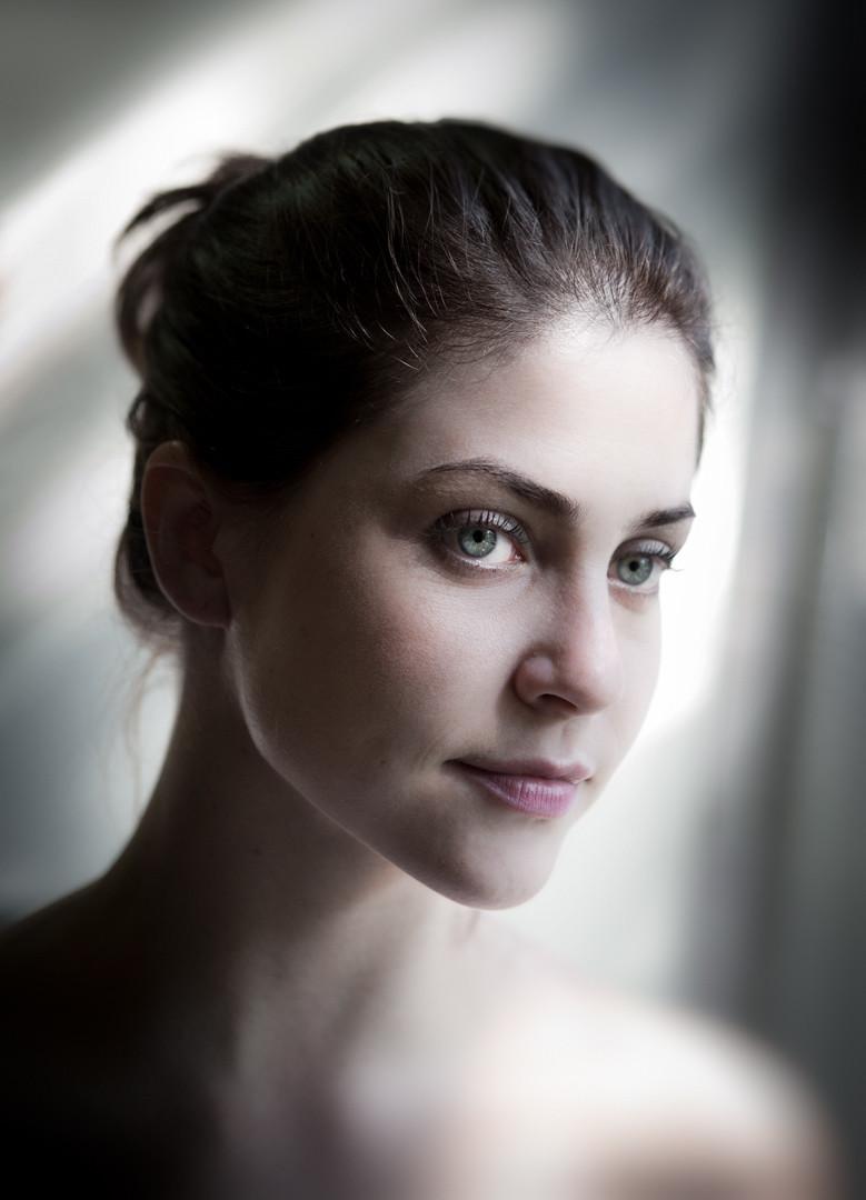 cristina-peres-atriz-779x1080.jpg