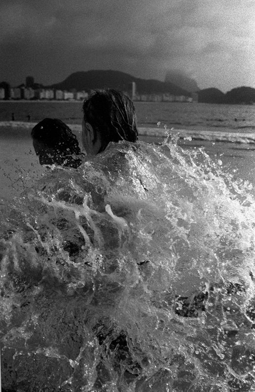 casal-praia-copacabana-kittyparanagua.jpg