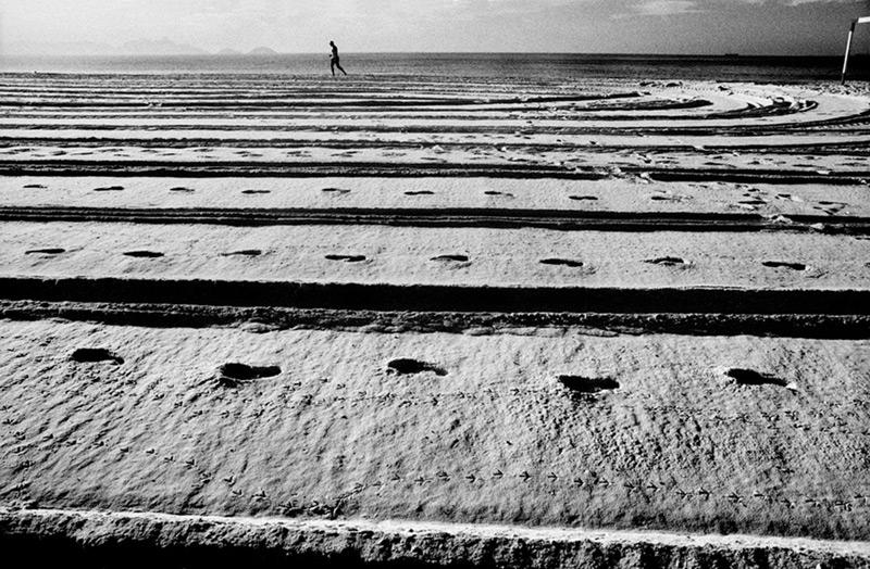 pegadas-praia-copacabana-kittyparanagua.jpg