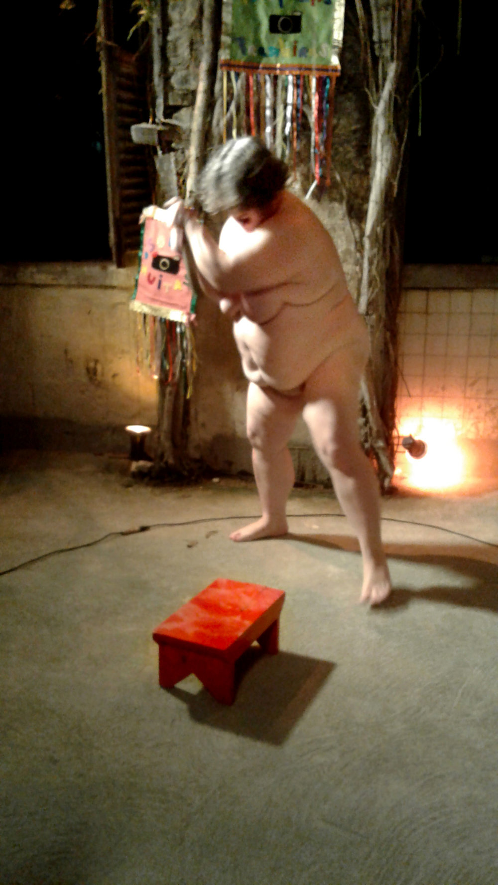 """A Natureza da Vida"". Performance durante o FotoRio. Foto de Kitty Paranaguá."