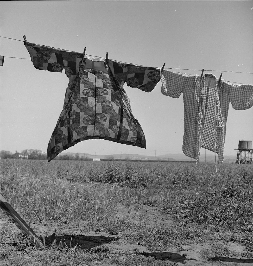 DorotheaLange- dia de lavar roupa - 1942.jpg