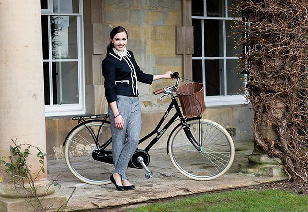 "Victoria Pendleton with her beautiful ""Ashwell' bike available exclusively from Halfords"